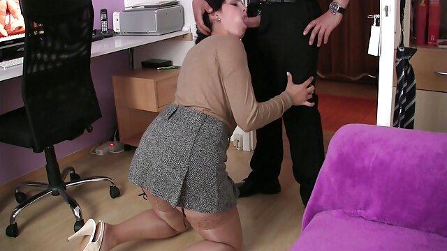 Russisches sexvideos deutschsprachig Teen mit großen Titten anal gefickt